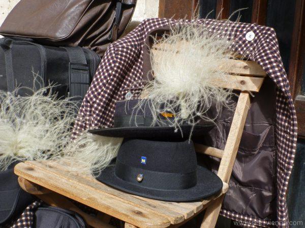 Wachau Hut mit Steinfeder Private Stadtfuhrungen