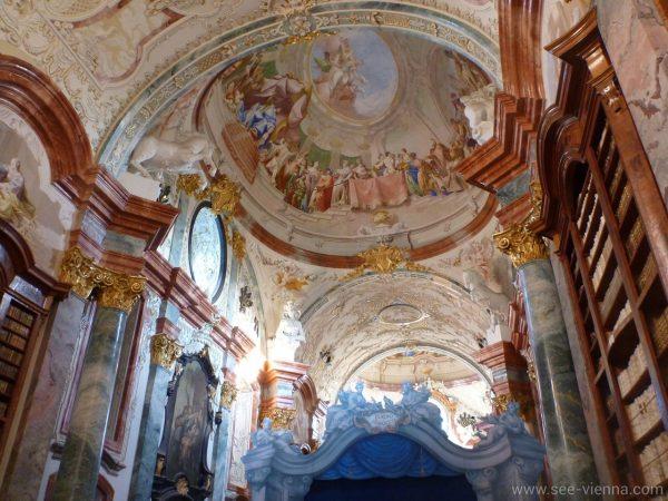 Kamptal Weintour Stift Altenburg Bibliothek