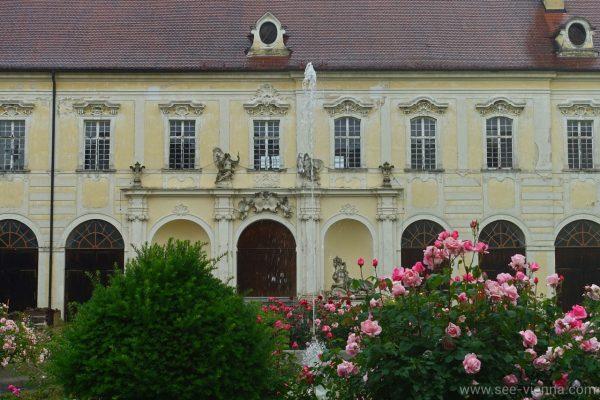 Kamptal Weintour Stift Altenburg Garten